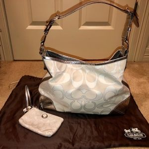 Coach Satchel White/Slvr w/ coin purse and duster